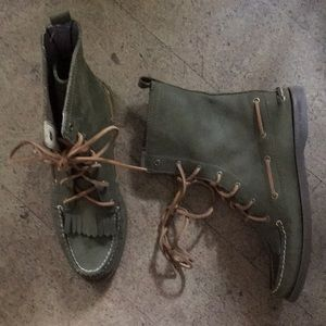 Women's Sperry leather boots size 8